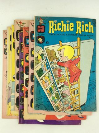 LOT OF 8 RICHIE RICH COMIC BOOKS
